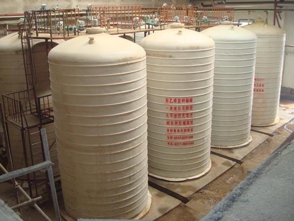 产品名称才制造:50方一次成型无焊缝塑料罐群